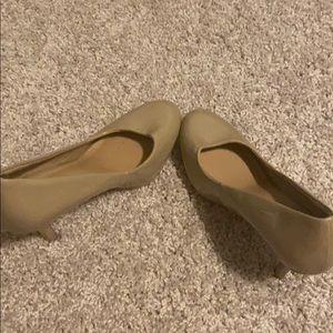 Merona size 7.5 brown heel